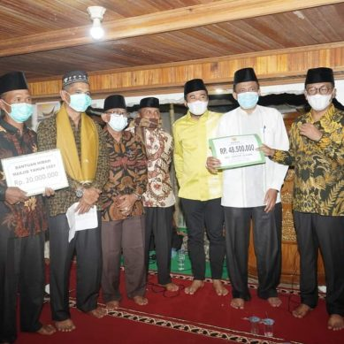 Bupati Khairunas Safari Ramadan di Masjid Jami' Sangir Jujuan