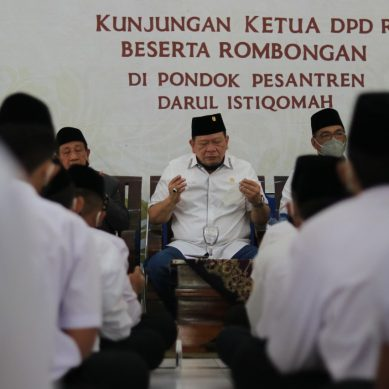 Ketua DPD RI Imbau Warga di Zona Merah Covid-19 Salat Idul Fitri di Rumah