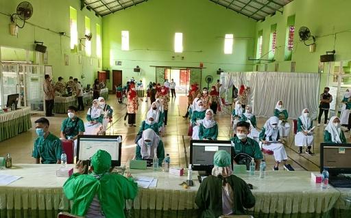 SMA Negeri 4 Semarang Laksanakan Vaksinasi Tahap 2