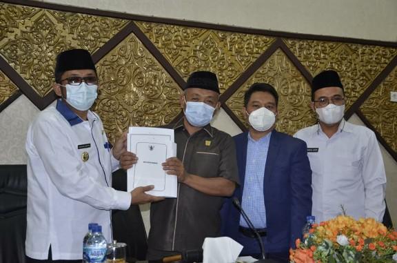 Wako Hendri Septa Sampaikan RAPBD 2022 Ke DPRD Padang, Pendapatan Daerah Diperkirakan Rp2,597 Triliun