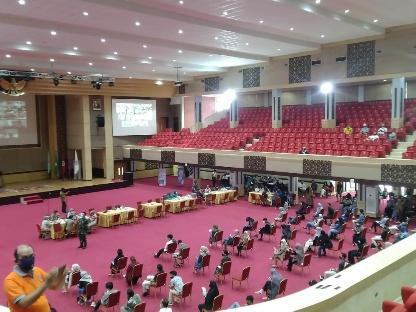 Panglima TNI Hadi Tjahjanto Tinjau Vaksinasi Massal Di UNP